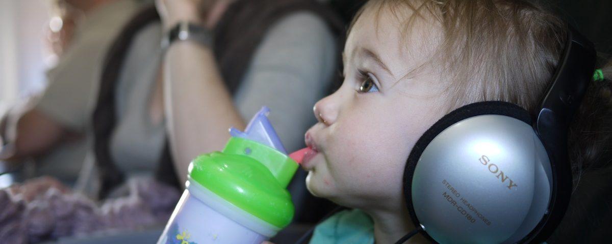 Inklapbare Eetstoel Baby.12 Tips Voor Het Vliegen Met Baby S Ga Goed Voorbereid Op Pad
