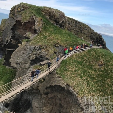 Carrick-a-Rede-Rope_Bridge2